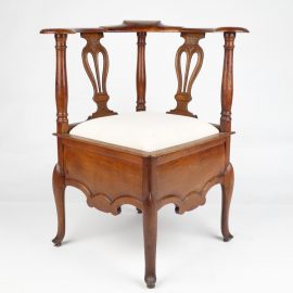 Eclectic mixture of Fine Antique furniture, Haute epoque, Bronze & Decorative objects from the 15thC to the 19thC. Antique Walnut corner chair
