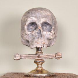 Sculpture of a skull | Paul de Grande Antique
