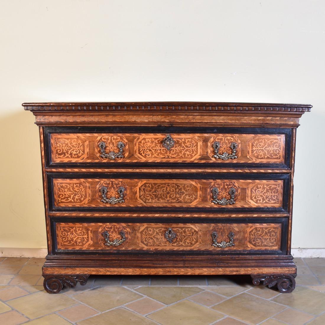 italian commode paul de grande antique. Black Bedroom Furniture Sets. Home Design Ideas