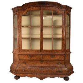 dutch-walnut-display-vitrine1