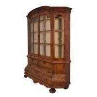 dutch-walnut-display-vitrine2