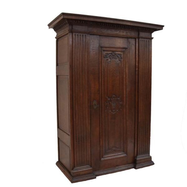 18th Century Oak cupboard