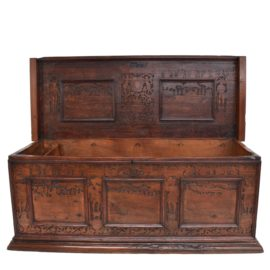 Venetian ADIGE chest